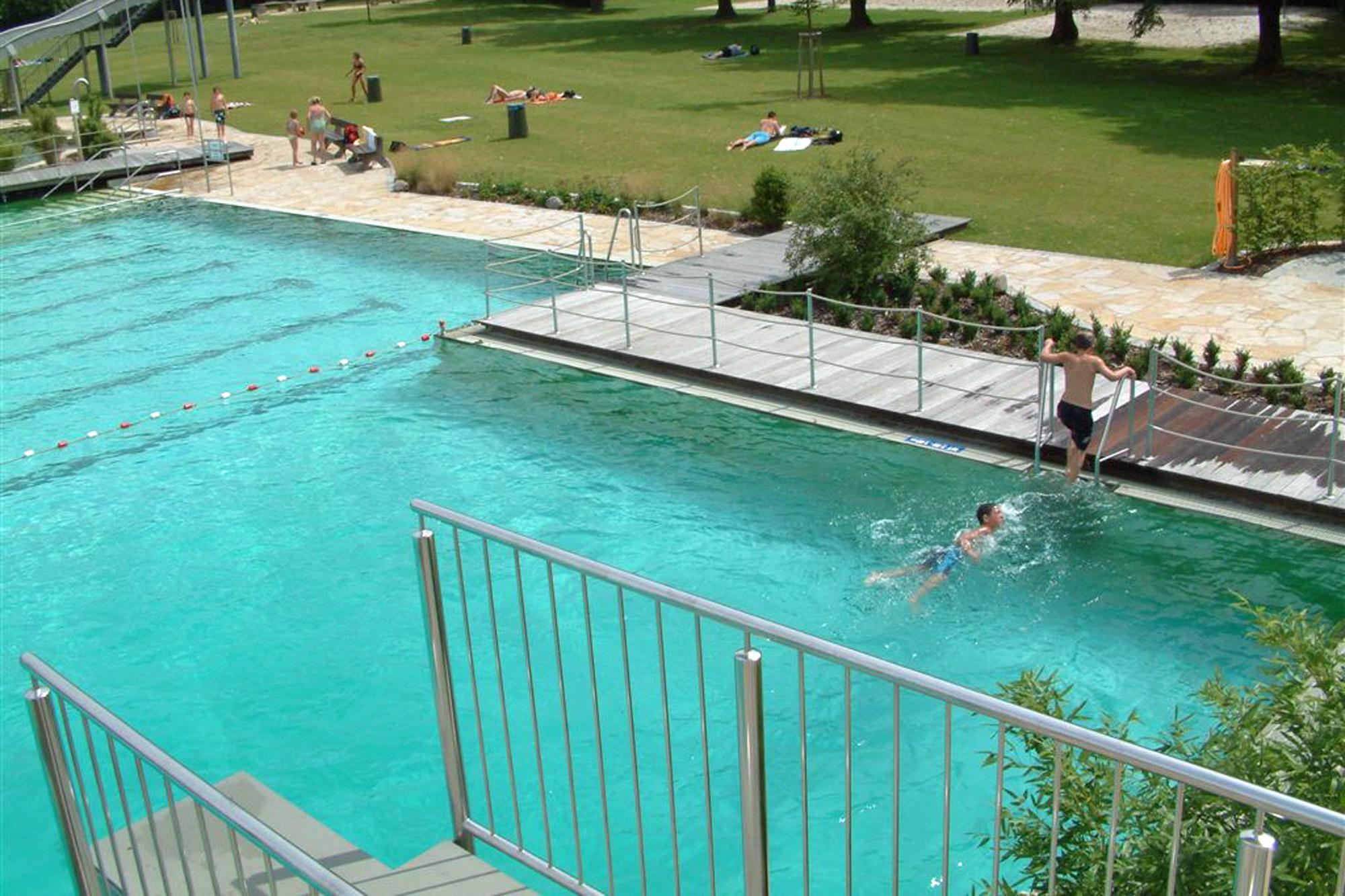 öffentliche Schwimmbäder - Freibad in ocean grün beziehungsweise blau-grün